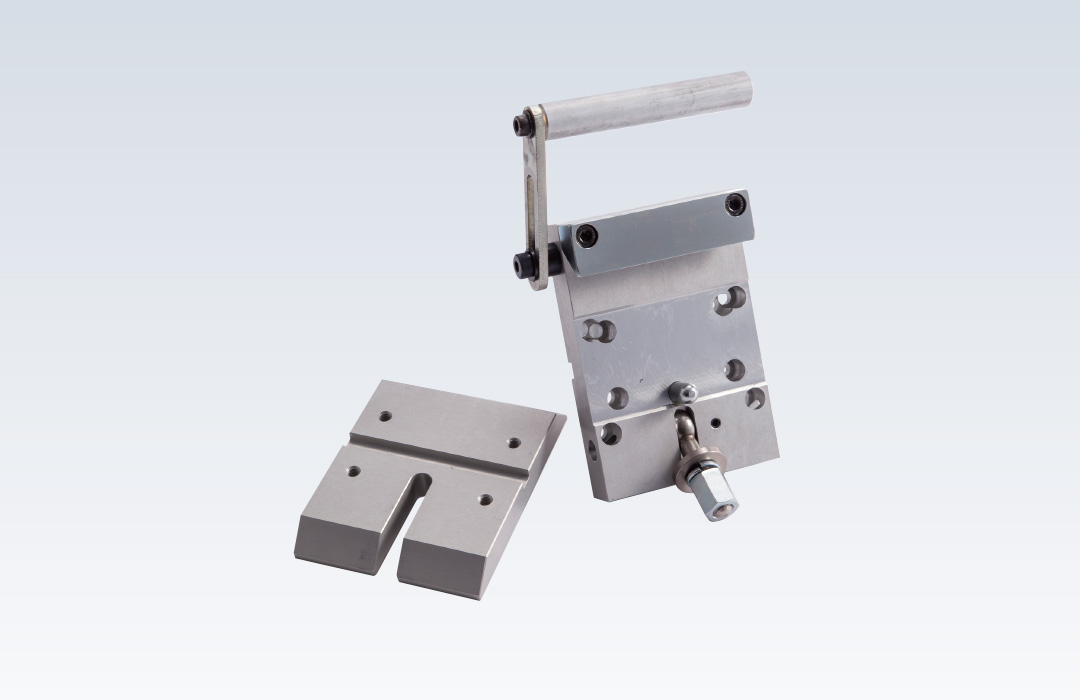 Quick release spacer